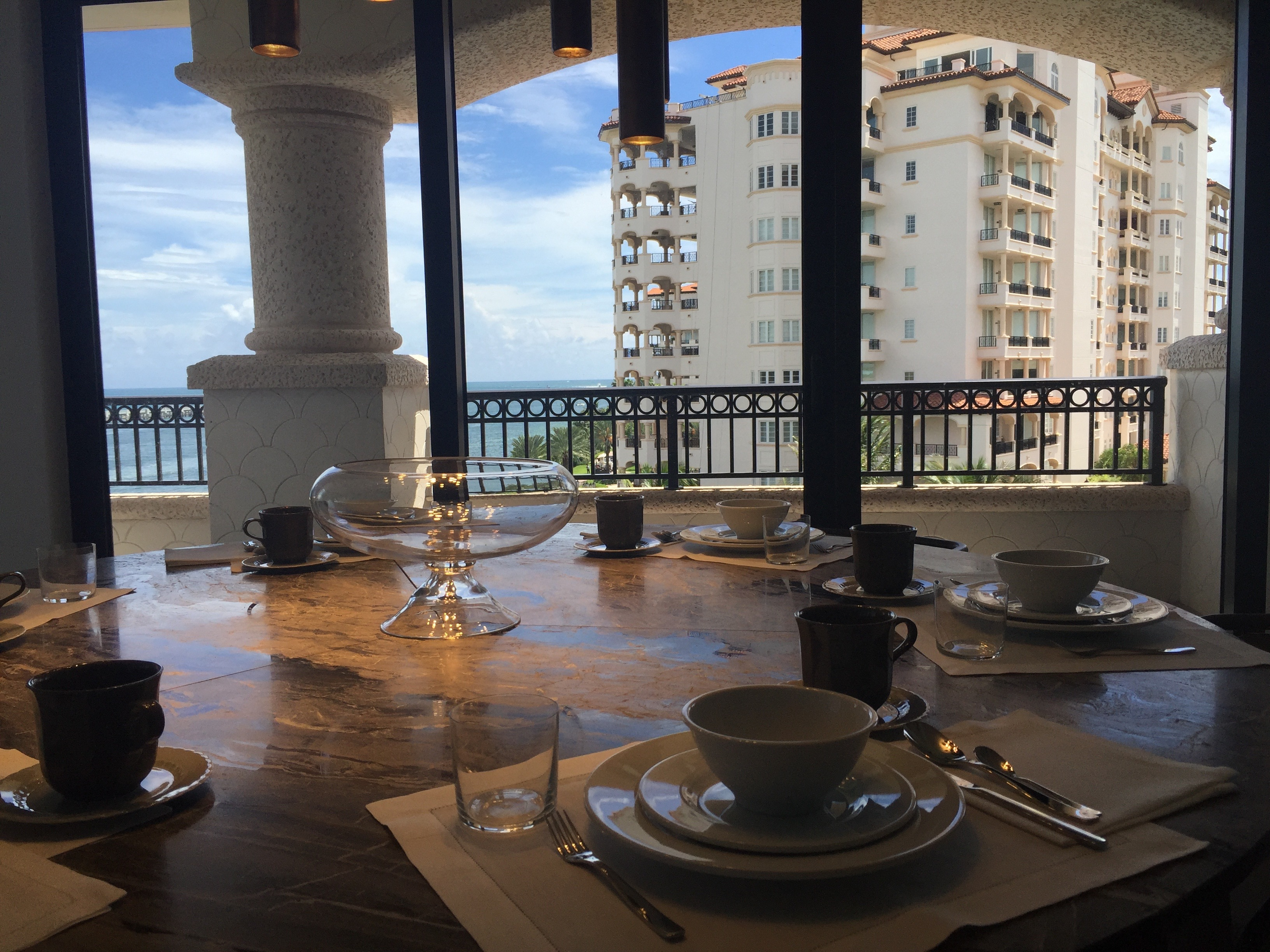 13-Fisher Island round table