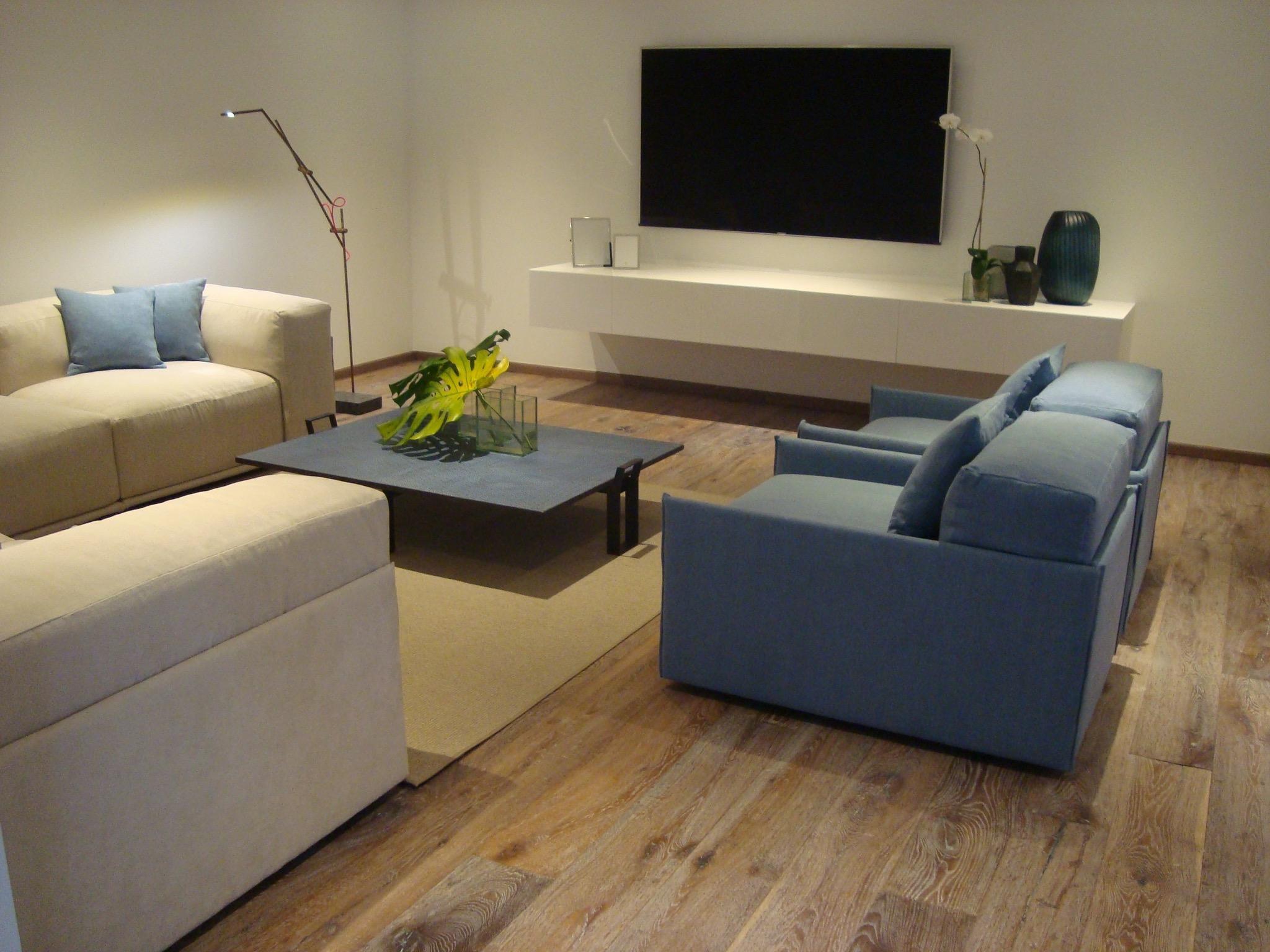 18-Fisher Island Living Tv room
