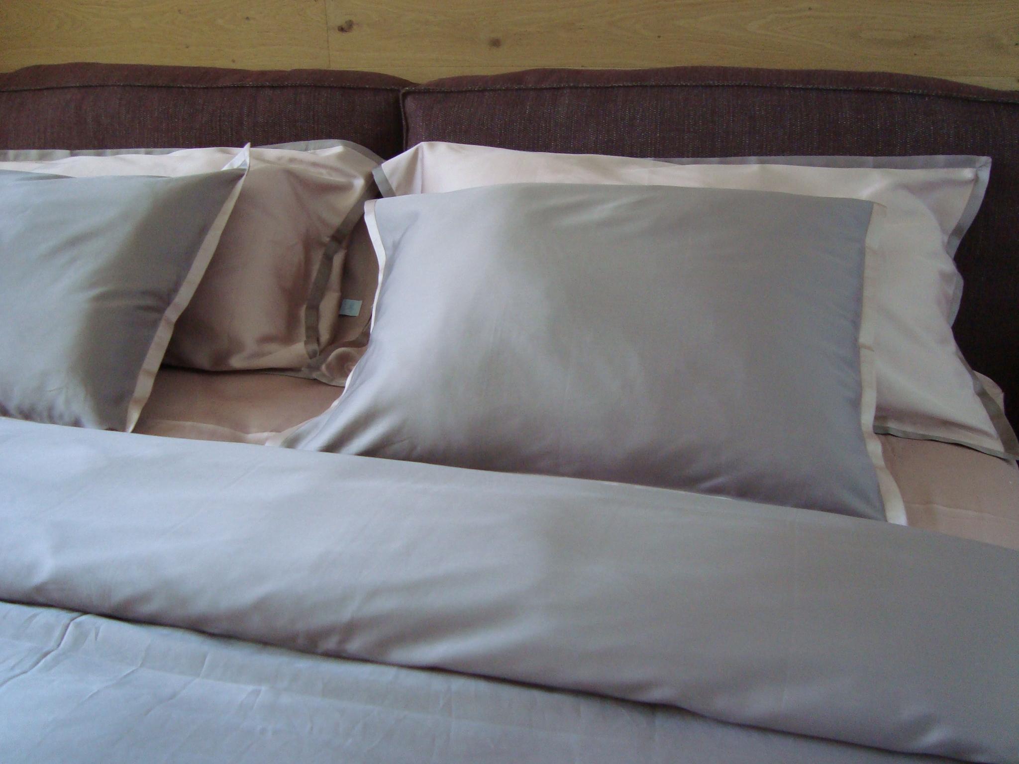 9-Fisher Island Pink bedroom 2